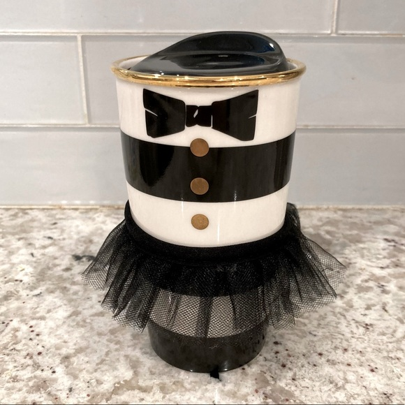 ✨rare✨ starbucks collectible tuxedo tumbler
